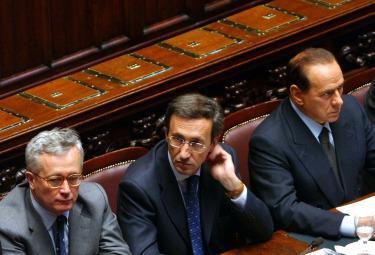 Governo Berlusconi III: primo mese