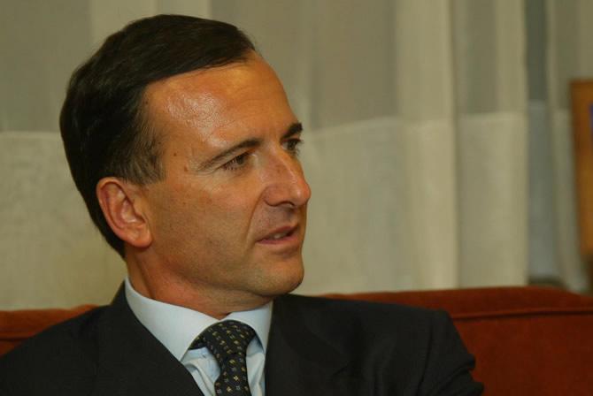 Governo Berlusconi IV: terzo mese