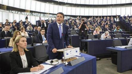 Federica Mogherini e Matteo Renzi all'Europarlamento