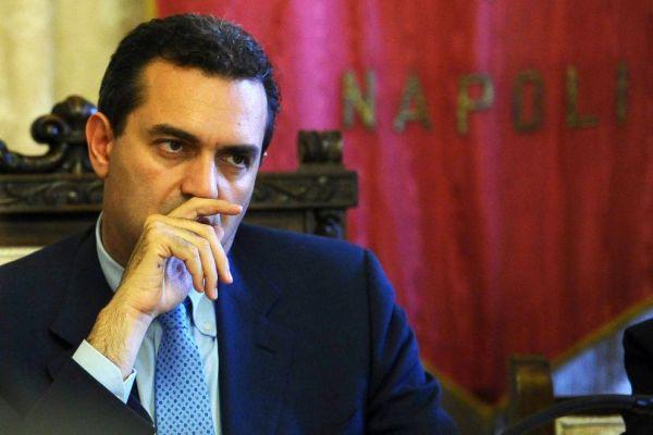 De Magistris e l'immagine che Napoli da di sè