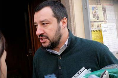 Salvini contestato a Roma e Bologna