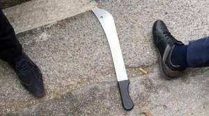 Belgio, ferisce due poliziotte a colpi di machete