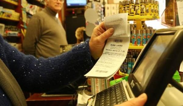 La Cgil vuole il referendum per abolire i voucher, ma li usa
