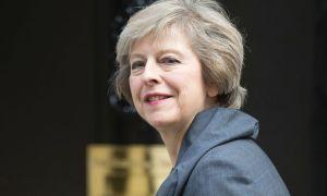 """Brexit al via. Per Theresa May è """"il momento di restare uniti"""""""
