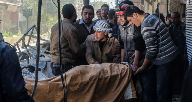 Siria, 58 morti per i raid con gas tossici.