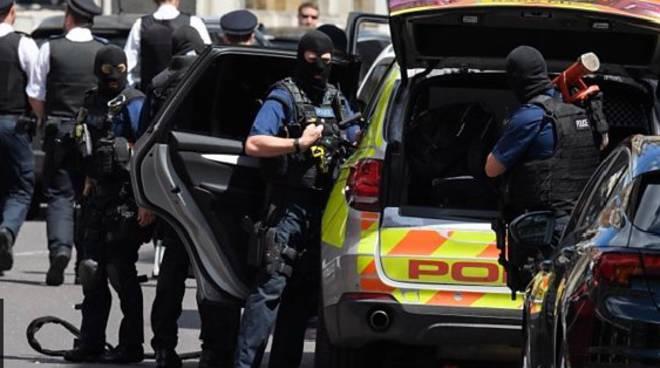 Attentato a Londra: Isis rivendica