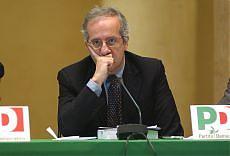 Veltroni si dimette da segretario Pd