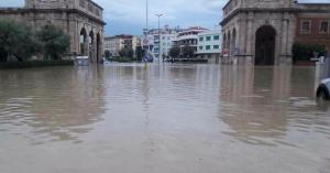 Allarme meteorologico a Roma e Livorno