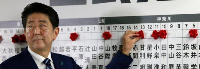 Giappone: vince il premier Shinzo Abe, verso larga maggioranza in Parlamento