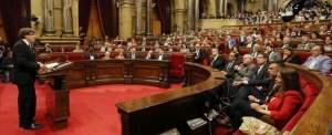 La Catalogna dichiara l'indipendenza