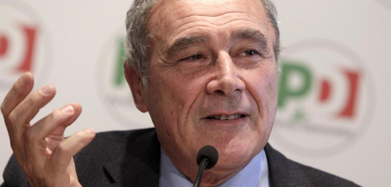 Senato, il presidente Pietro Grasso lascia gruppo Pd.