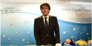 Catalogna, chiesto mandato d'arresto europeo per Puigdemont