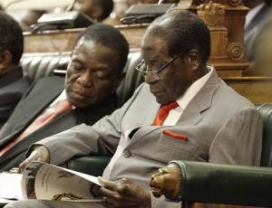 Zimbabwe, Mugabe prova a resistere