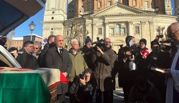 Le salme dell'ex Re d'Italia Vittorio Emanuele III e sua moglie Elena di Savoia rientrano in Italia