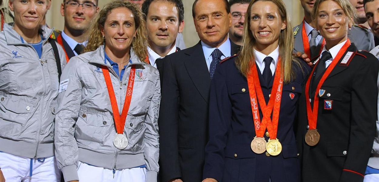 Nuove accuse alla Cina, Berlusconi non va ai Giochi