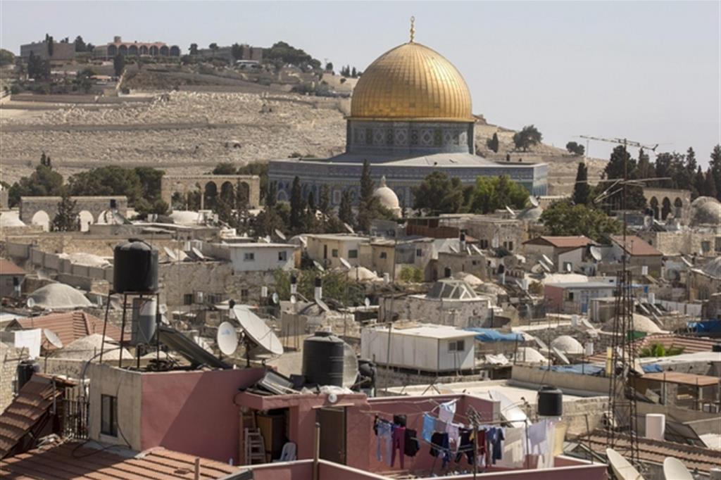 Trump: Trasferire l'ambasciata Usa in Israele a Gerusalemme