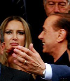 Berlusconi accusato di prostituzione minorile