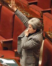 """Berlusconi al cassintegrato: """"E' fortunato, ha un sussidio"""""""