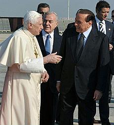 Berlusconi incontra il Papa dopo le tensioni con il Vaticano
