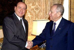 """Berlusconi nega l'evidenza: """"Ciampi non si riferiva a me"""""""