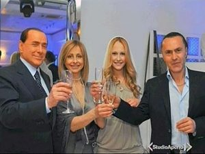 Berlusconi tra il suo divorzio e Noemi Letizia