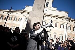 Camera approva la Legge di Stabilità 2011.