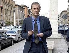 """Fassino attacca D'Alema """"Anche tu tra gli sconfitti"""""""