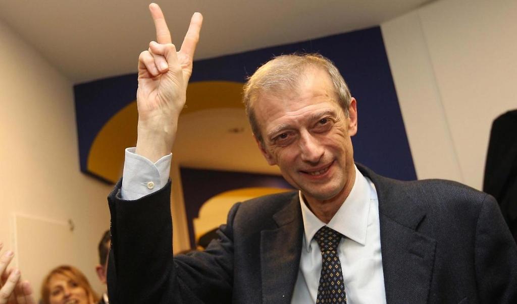 Fassino vince le primarie a Torino