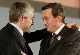 Fini e Casini insistono nelle critiche a Berlusconi