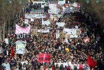 Francia, si della Corte Costituzionale alla legge del Contratto di primo impiego.