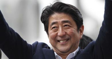 Giappone: Abe rivince le elezioni