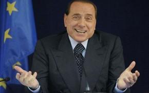 """Berlusconi """"confessa"""": il nucleare si farà, lo stop è un trucco per evitare il referendum"""