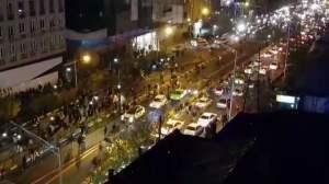 Iran, nuove proteste e scontri a Teheran