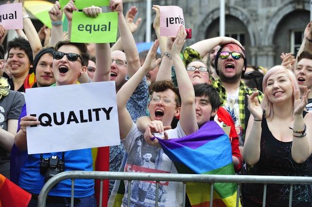 Irlanda: sì alle coppie di fatto anche gay
