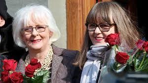 L'Islanda legalizza le nozze gay. E la premier si sposa.
