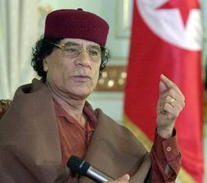 Libia in rivolta, Gheddafi in tv nega di aver lasciato paese
