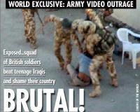 Militari britannici che picchiano selvaggiamente ragazzini iracheni
