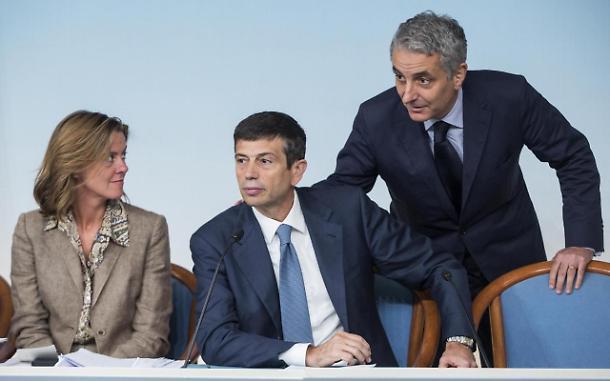 Ministri Pdl accettano di dimmettersi, ma si dissociano dalla crisi di governo