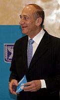 """Olmert attacca: """"Ahmadinejad è uno psicopatico"""""""