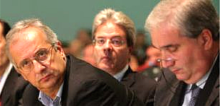 Pd: Veltroni riorganizza l'opposizione interna. Bersani non gradisce