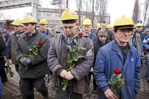 Russia, cade l'aereo del presidente polacco durante l'atterraggio 132 vittime