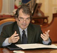 Sì del Senato al ddl Brunetta la riforma anti-fannulloni è legge