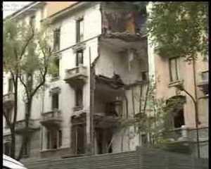 Crollo palazzo Via Lomellina a Milano