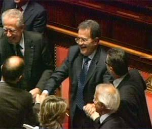 Il governo Prodi si salva, Finanziaria approvata