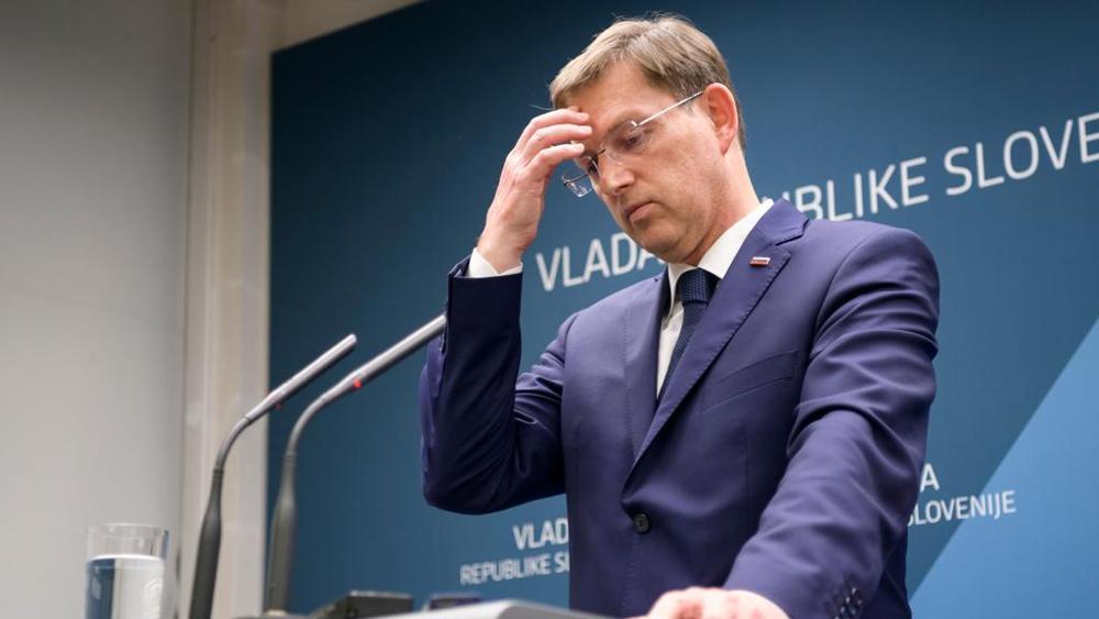 Si dimette il premier sloveno Cerar dopo l'annullamento del referendum