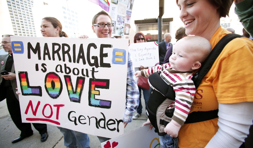 Il Lussemburgo approva matrimoni e adozioni gay