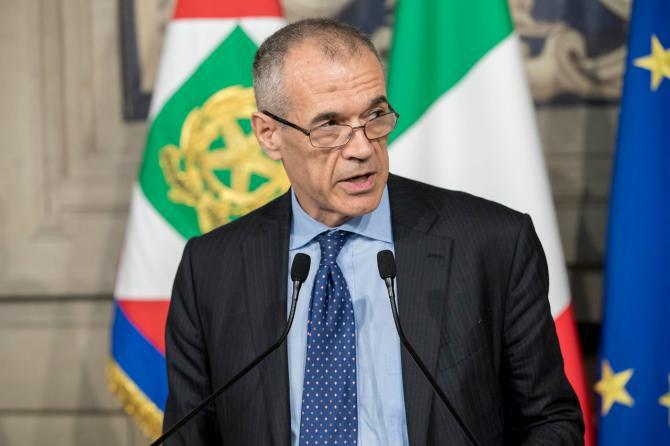 """Cottarelli rimette il mandato: """"È stato un onore servire il mio Paese""""."""