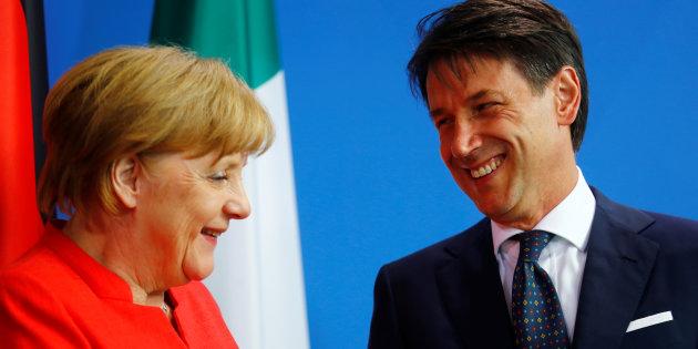 Fenomeno migratorio, Conte condivide la linea Merkel, assieme cercano di arginare Seehofer-Salvini