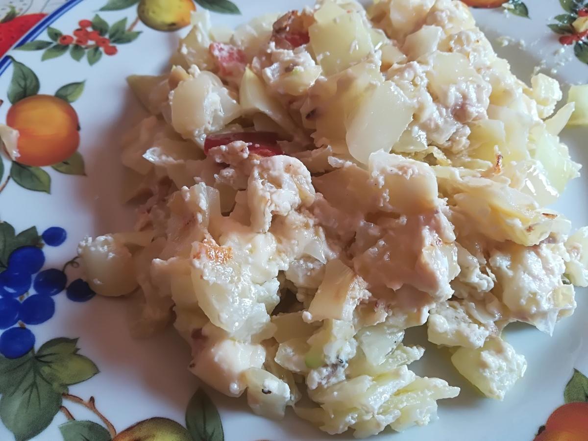 Zuppa di cipolle con ricotta e tonno
