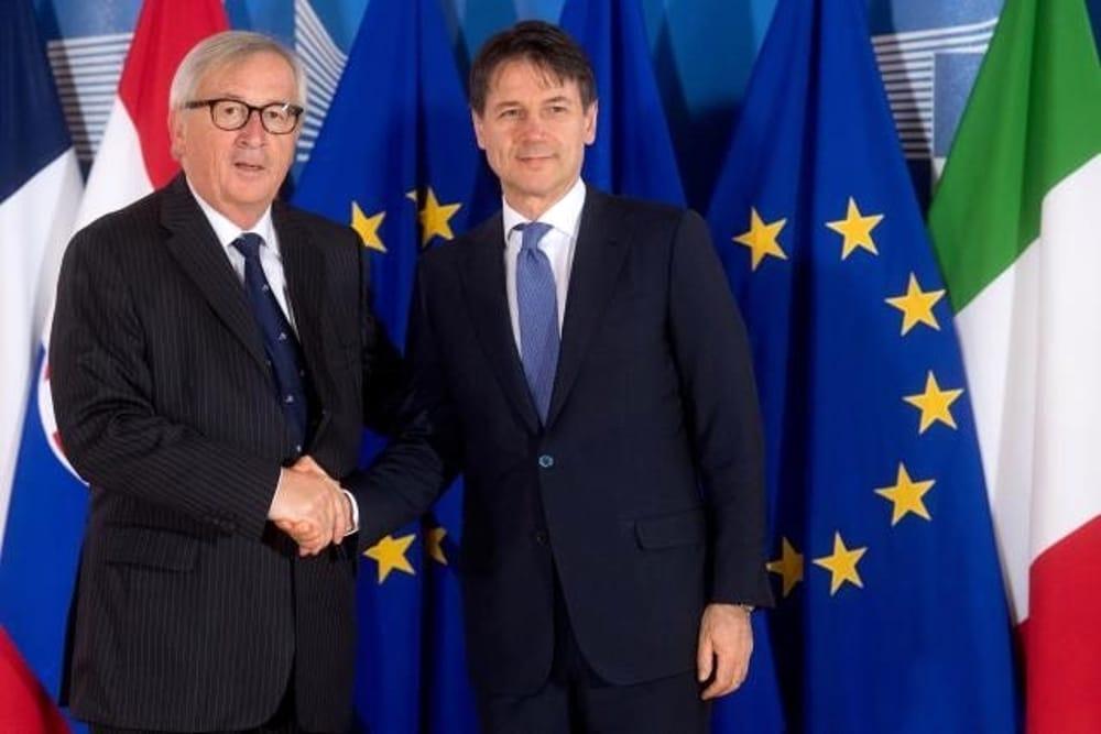 Italia e Ue cercano un'intesa sulla manovra.